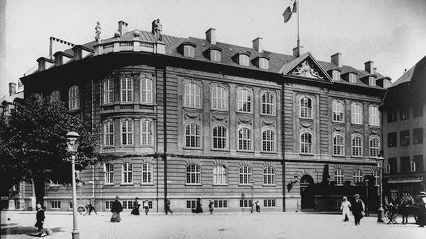 1917-fiolstrade-1918617x347.jpg