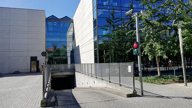 Rampe til kælder på Solbjerg Plads