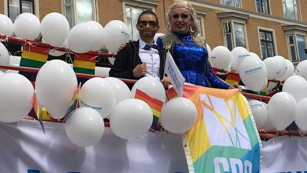 Mr. & Mrs. CBS in drag – CBS students Karla Egholm and Finn Ferjá aka 'Miss Boogie' – at Copenhagen Pride 2017.