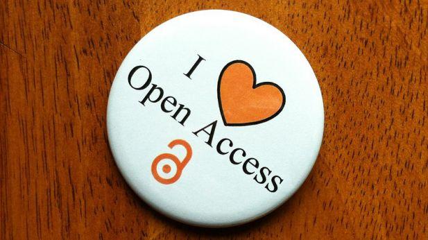 """Badge med teksten """"I love Open Access"""""""