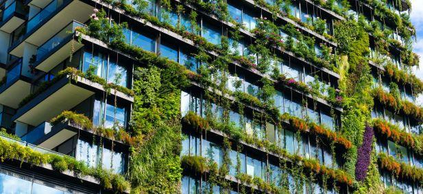 Hvordan kan intelligente teknologier gøre bygninger og byer mere bæredygtige?