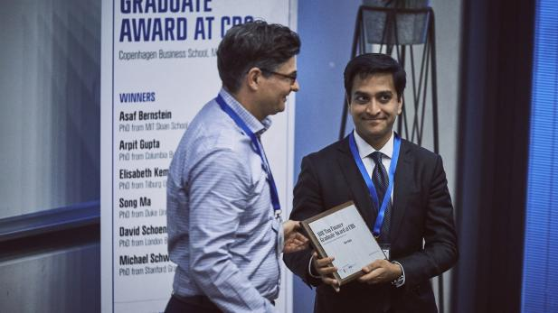 Arpit Gupta receives award 2016