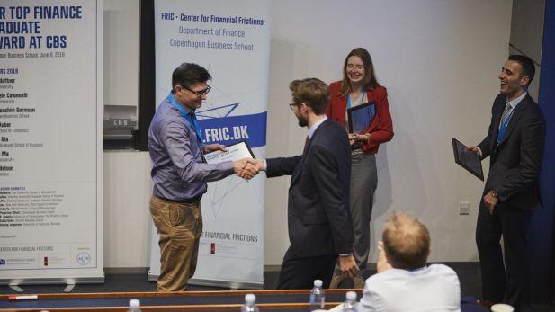 Niels Joachim Gormsen receives the award 2018