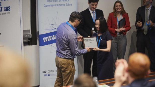 Yiming Ma receives the award 2018