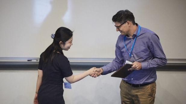 Yueran Ma receives the award 2018